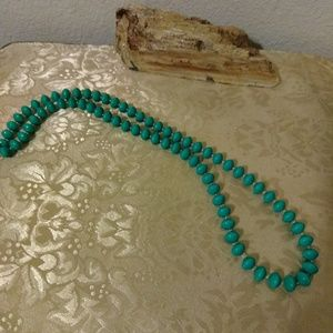 VINTAGE excellent condition knotted gorgeous!